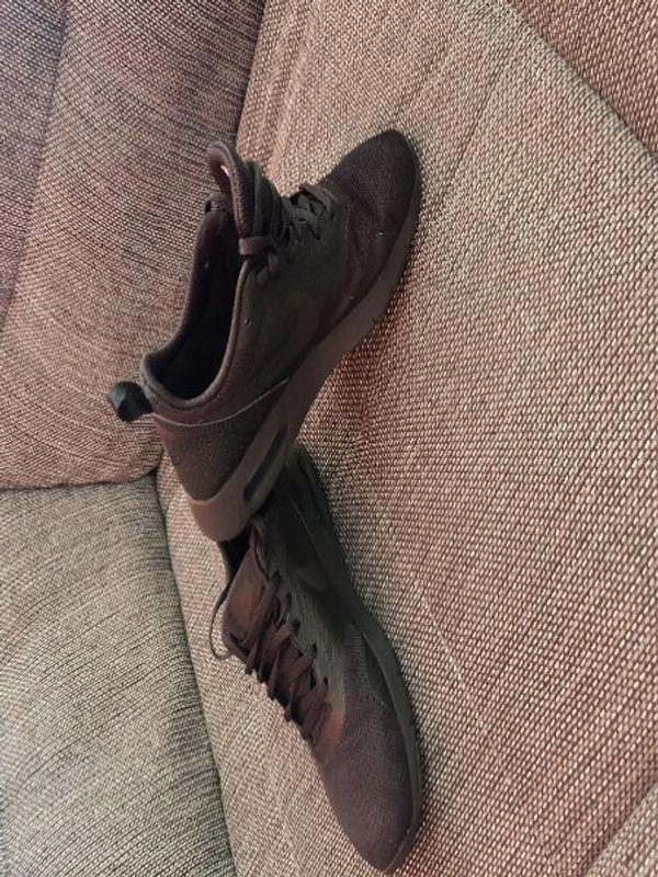 Nike Air Max Tavas Sneaker Gr 38 neuwertig - Frankenthal - Die Schuhe wurden sehr selten getragen und befinden sich somit in einem neuwertigen Zustand ohne Flecken, Löcher etc und haben die Größe 38 (24cm) .Tierfreier Nichtraucher HaushaltVersand auf Anfrage möglich gegen Gebühr 3,90 - Frankenthal