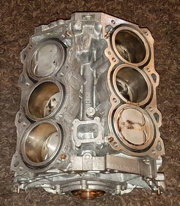Motorblock/Kurbelgehäuse Nissan 370Z V6 Dekoration Wohnzimmer in ...