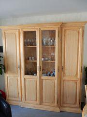 Chalet Pinie Wohnzimmer Schrank Tisch