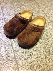 Holzclogs mit Fell