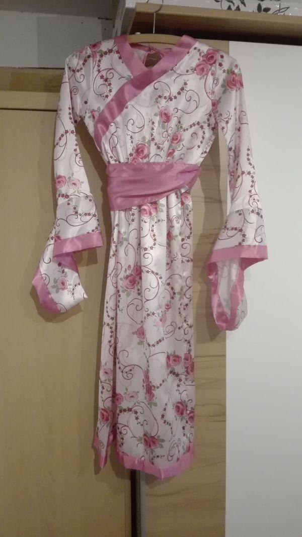 geisha faschingskost m f r m dchen abzugeben in. Black Bedroom Furniture Sets. Home Design Ideas