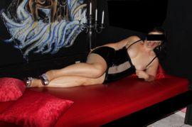 kitzelfolter sie sucht ihn erotik brandenburg