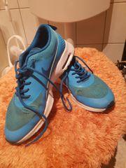 Sneaker``s