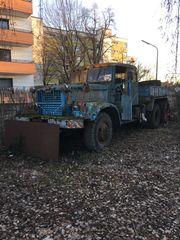 KRAZ Schwerlastzugmaschine