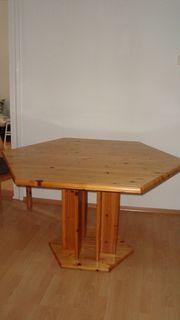 Massivholztisch aus Exklusivmöbelhaus