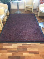 Hochwertiger Teppich zu