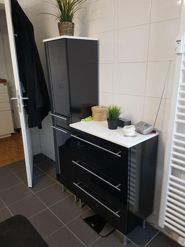hochwertige badmöbel, hochglanz schwarz, weiß on top. in münchen, Design ideen