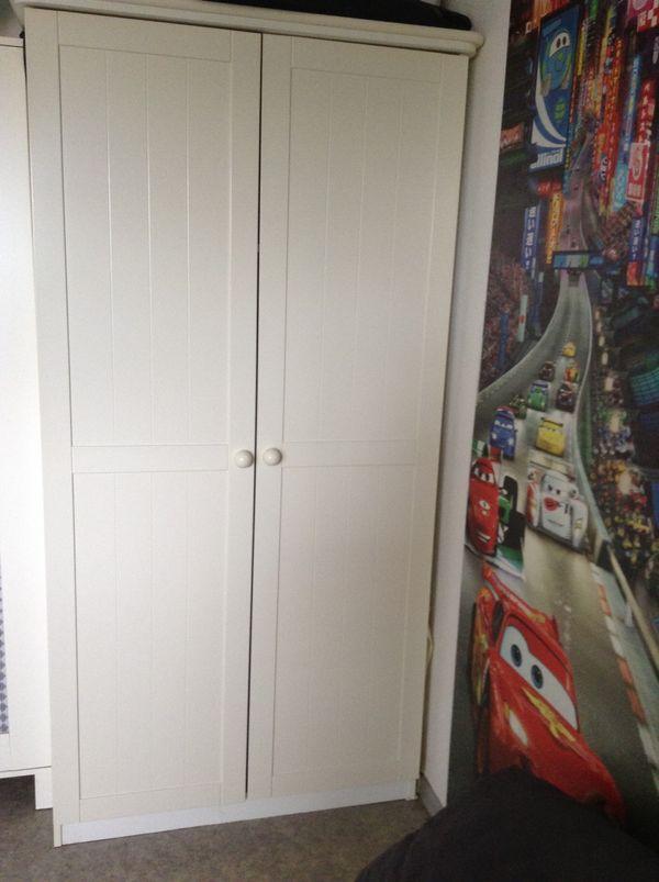 2 ( Kinder- ) Kleiderschränke von Tchibo, gerahmte Türen in weiß ...