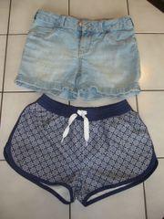 2 Shorts Jeans C&A und Beach kurze Hosen Gr. 140 gebraucht kaufen  Nürnberg