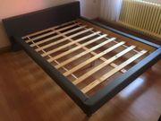 Schönes Doppelbett
