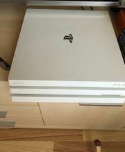 Playstation 4 Pro in Weiß