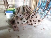 Bau-Material bzw.