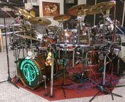 Drummer sucht für