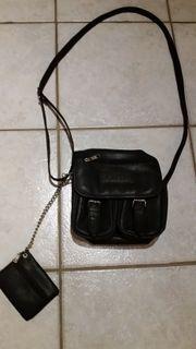 Kleine Handtasche mit Schlüsseltasche