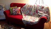 Rotes Esstisch Sofa