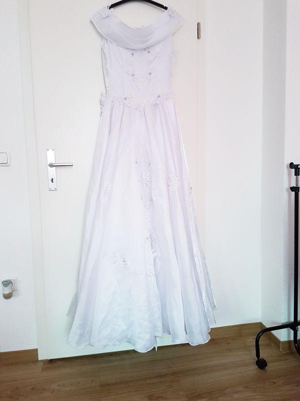 Verspieltes Brautkleid Hochzeitskleid