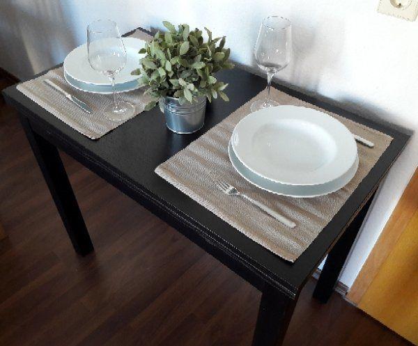 Esstisch ausziehbar IKEA BJURSTA - Grasellenbach Scharbach - Verkaufe ausziehbaren Esstisch in schwarzbraun aus der IKEA Bjursta Serie. Bietet Platz für 2-4 Personen, kaum Gebrauchsspuren (Maße siehe Bilder). Ideal für kleine Wohnungen. Ohne Deko und nur an Selbstabholer, helfe allerdin - Grasellenbach Scharbach