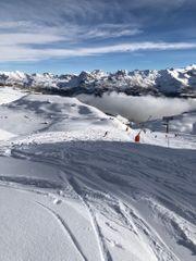 Ski Wandern Biken im sonnigen