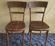 2 gleiche antiquarische Stühle