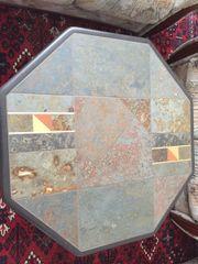 Couchtisch aus Stein mit Mosaik
