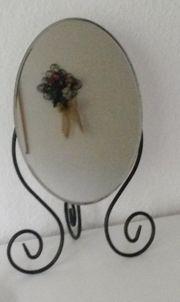 Klappbarer Spiegel