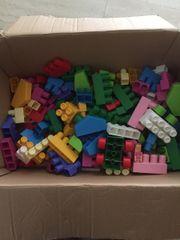 große Kartons Spielzeug